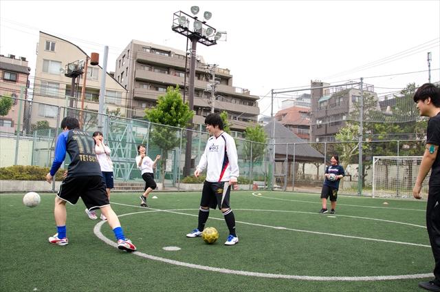 ボール回し_R.jpg