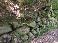 飯盛山の石垣