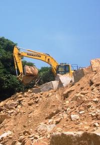 線源・花崗岩「万成石」を求めて岡山県へ