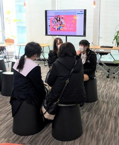 生徒と参加者.JPG